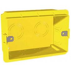 Установочна трьохмодульна коробка для італійського дизайну, Unica MGU8.603